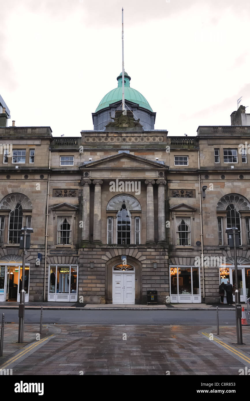 Architecturally pleasing Trades House in the city centre of Glasgow. - Stock Image