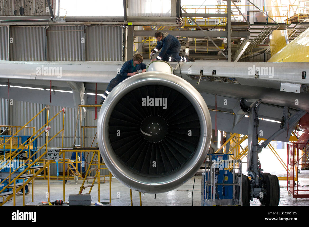 Boeing 757 inspection & maintenance - Stock Image