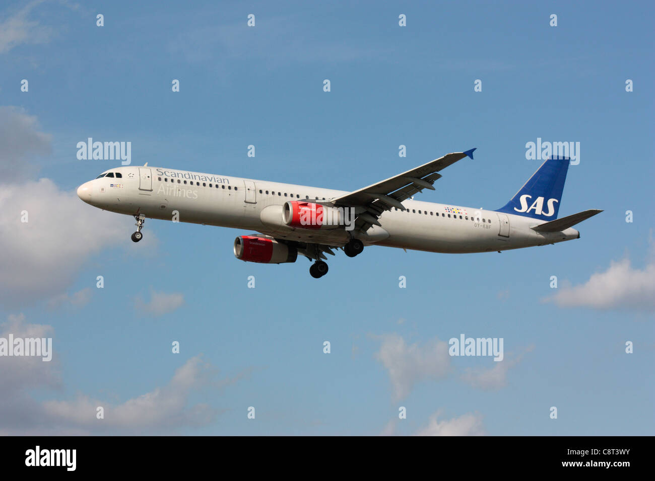 SAS Scandinavian Airlines Airbus A321 passenger jet plane flying on approach - Stock Image