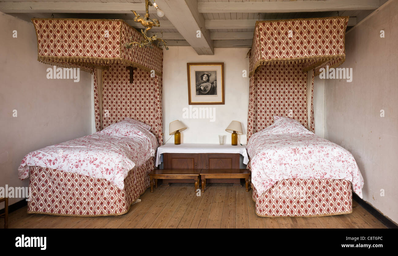 Picture of: Twin Canopy Beds Stock Photo Alamy