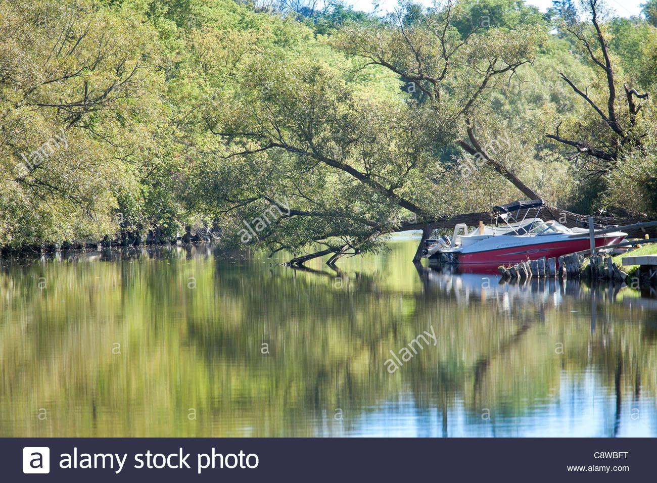 Slow moving Scugog River in Kawartha Lakes AKA as Lindsay Ontario Canada - Stock Image & Lindsay Ontario Kawartha Lakes Stock Photos u0026 Lindsay Ontario ...