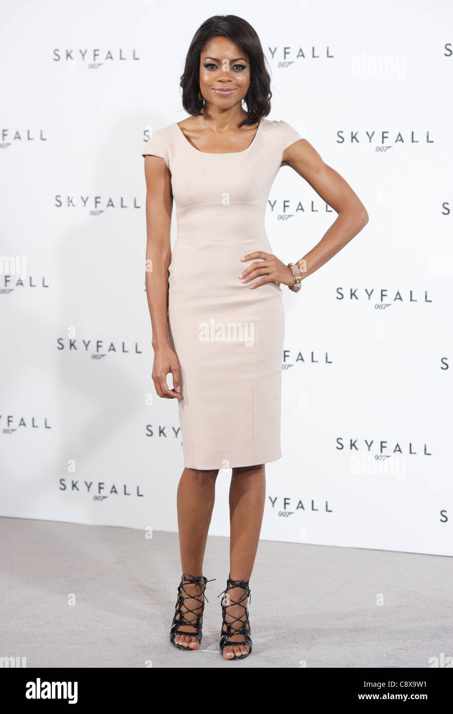 LONDON, UNITED KINGDOM 3 NOVEMBER 2011: Pic Shows Naomie Harris  at the launch photo call of the new Bond film called - Stock Image
