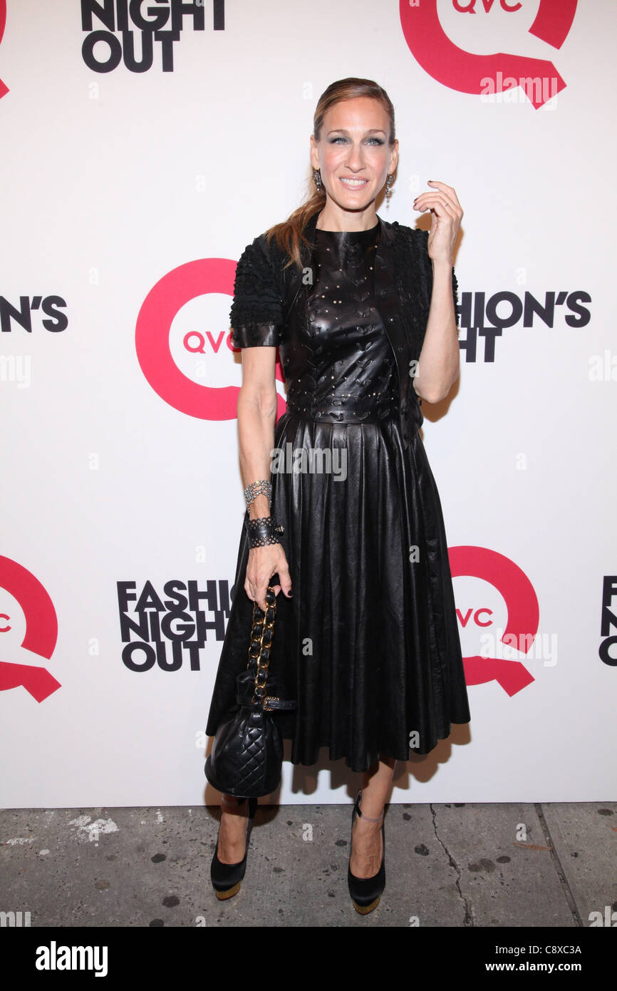 52d07e64d07 Sarah Jessica Parker wearing Prabal Gurung dress arrivals QVC s Fashion s  Night Out EventSuspenders Building in SoHo New York