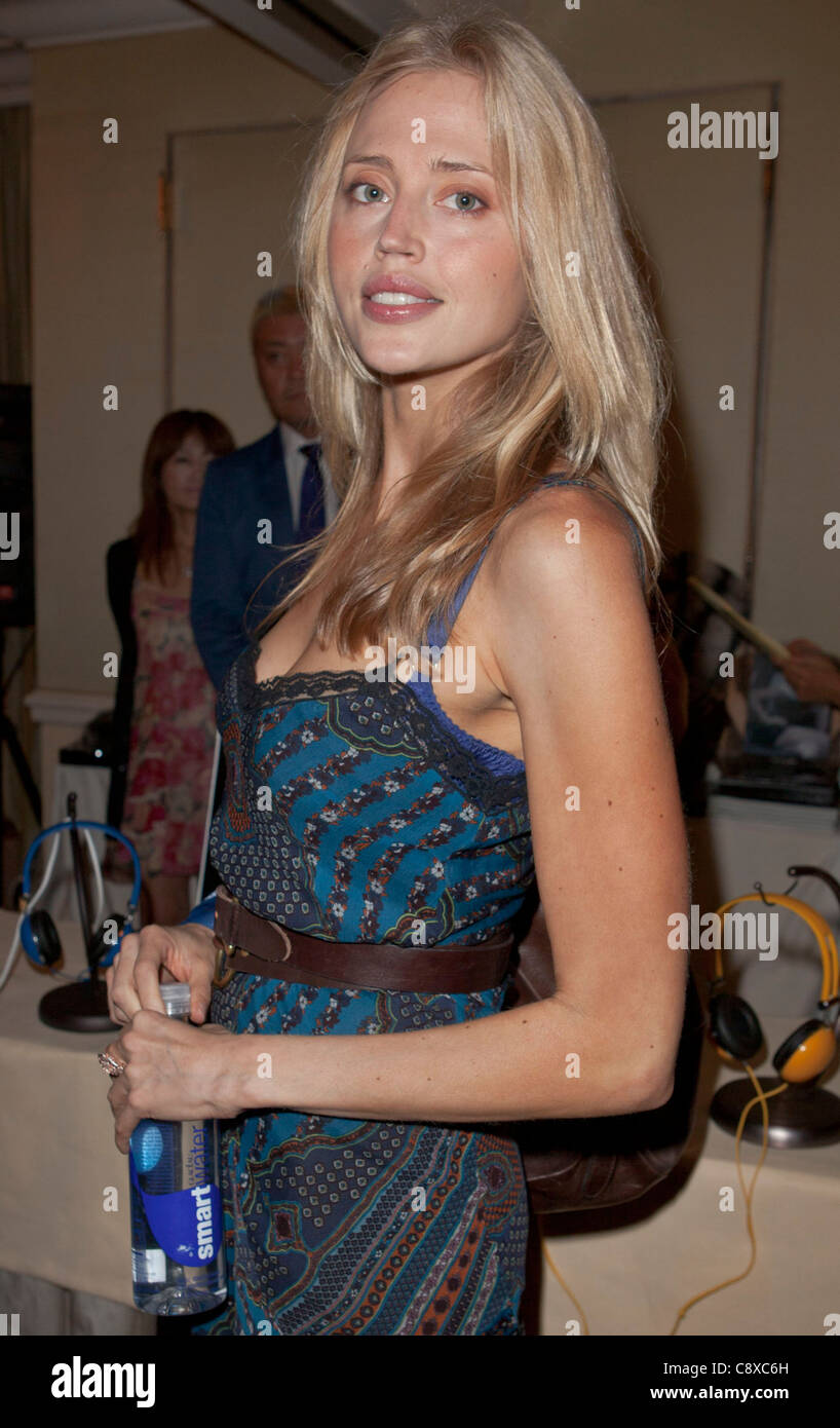 Estella Warren inside Urban Sanctuary Celebrity Gifting Suite - THUPeninsula Beverly Hills Los Angeles CA September - Stock Image