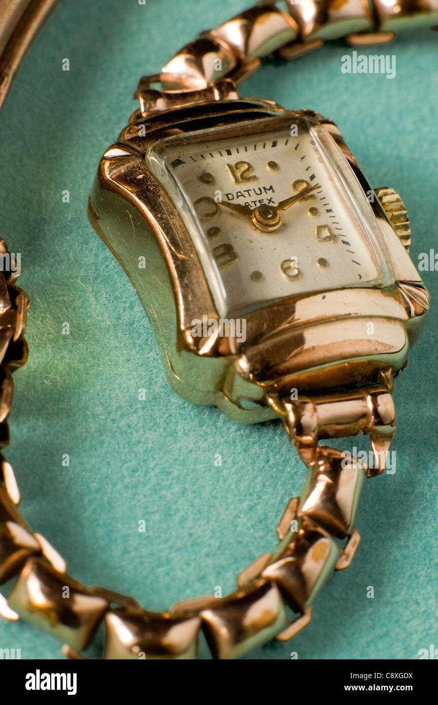 1910 datum winding watch art deco style with rose gold - Stock Image