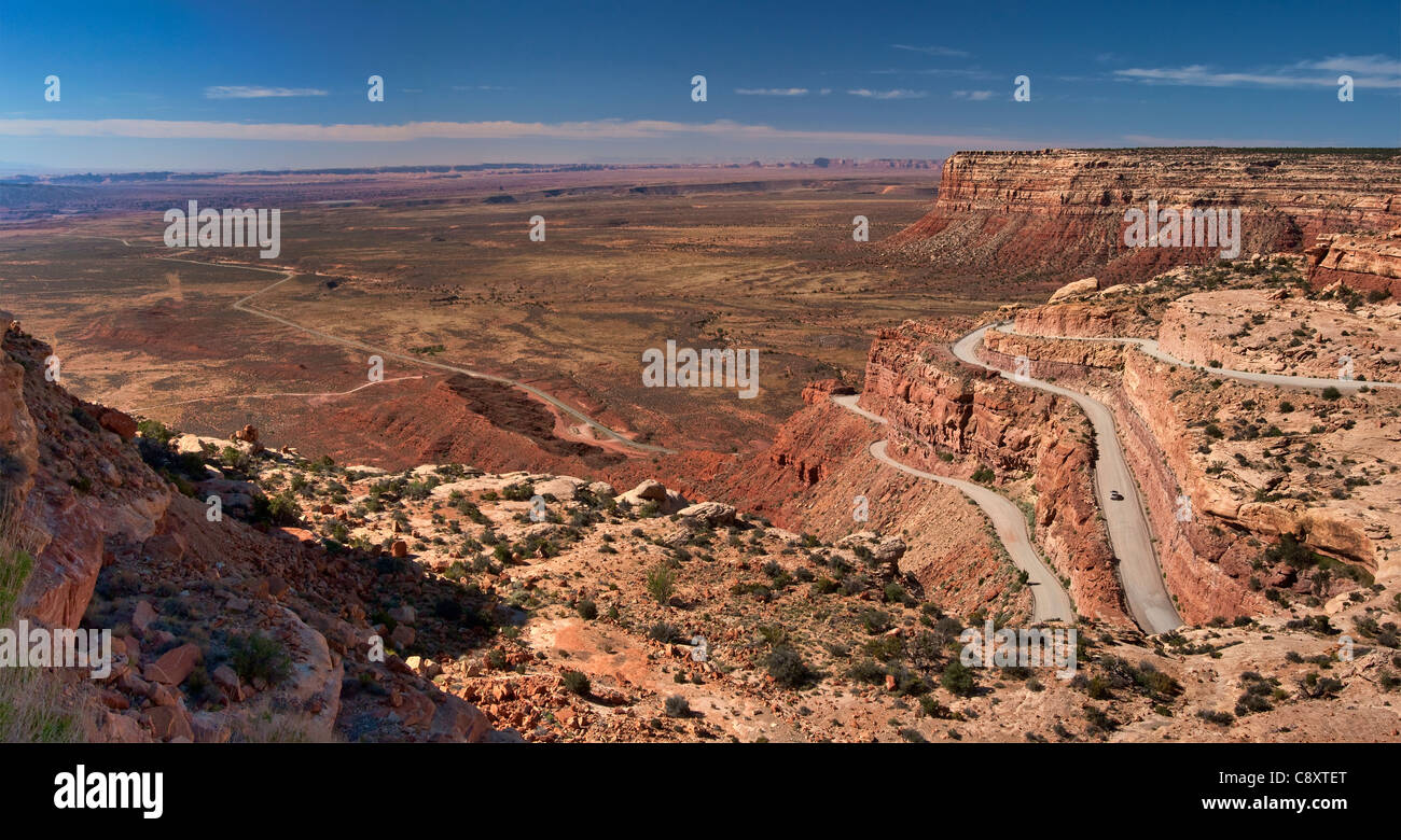 Moki Dugway (Highway 261) hairpin bends at Cedar Mesa, over Valley of the Gods, Bears Ears National Monument, Utah, - Stock Image
