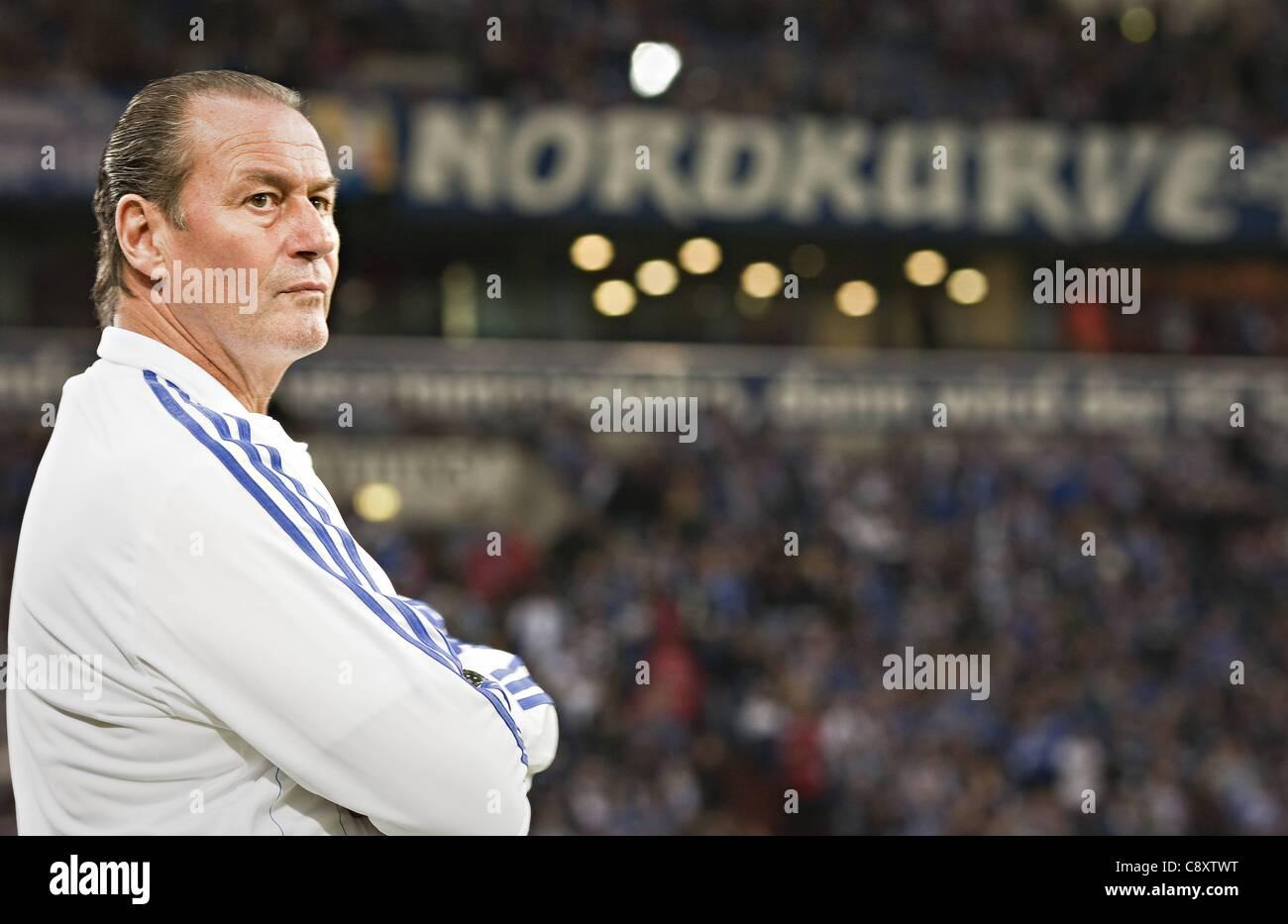 03 11 2011  UEFA Europa League Group stage  FC Schalke 04 versus AEK Larnaca Team manager Huub Stevens S04 - Stock Image