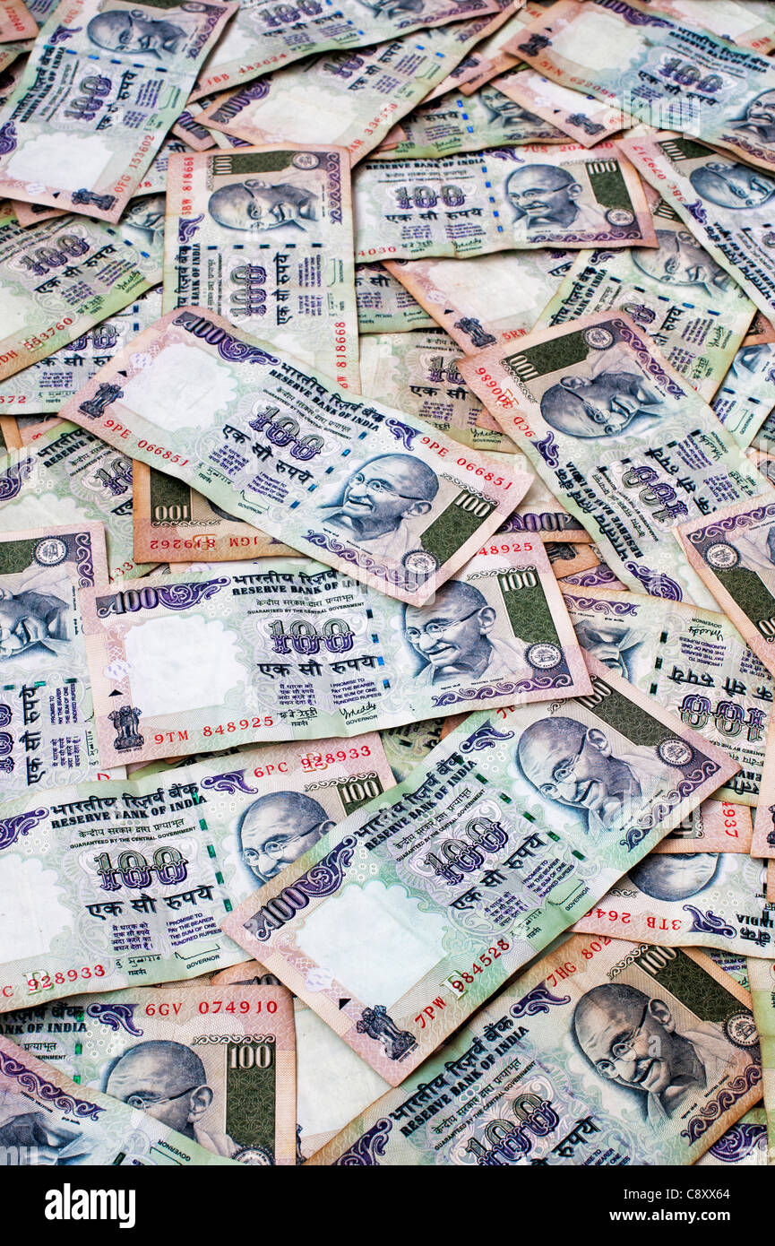 Indian 100 rupee notes - Stock Image