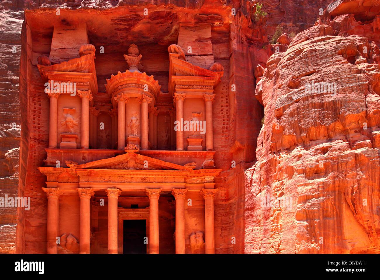 Treasury temple at Petra (Al Khazneh), Jordan - Stock Image