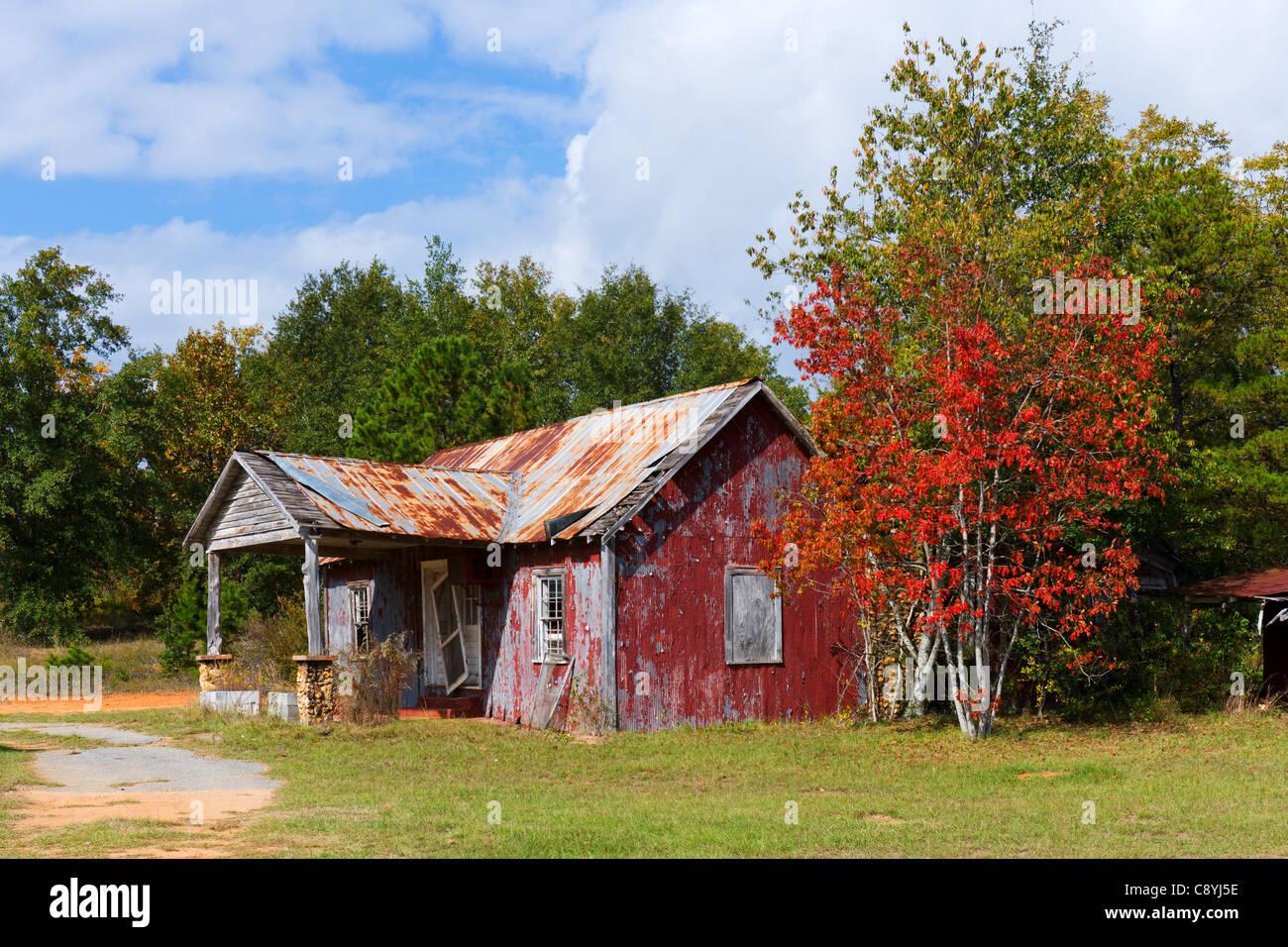 Dilapidated shack on Highway 280/27 outside Plains, Georgia, USA - Stock Image
