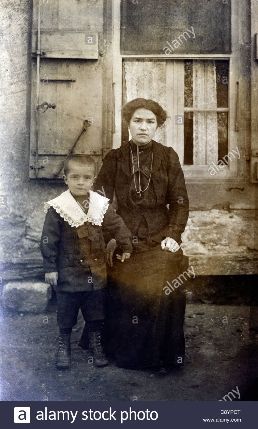vintage image of mother with child France - Stock Image