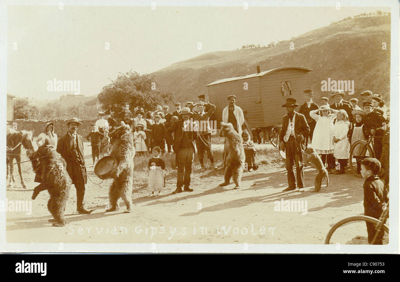 postcard of Servian gipsies iwith performing bears - Stock Image
