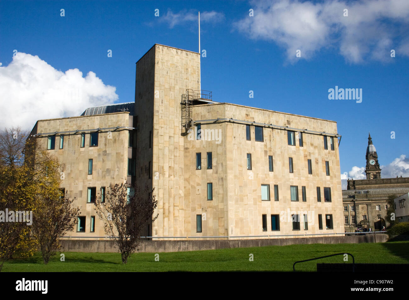 Bolton Crown Court (+ town hall beyond), Blackhorse Street, Bolton, Greater Manchester, England, UK - Stock Image