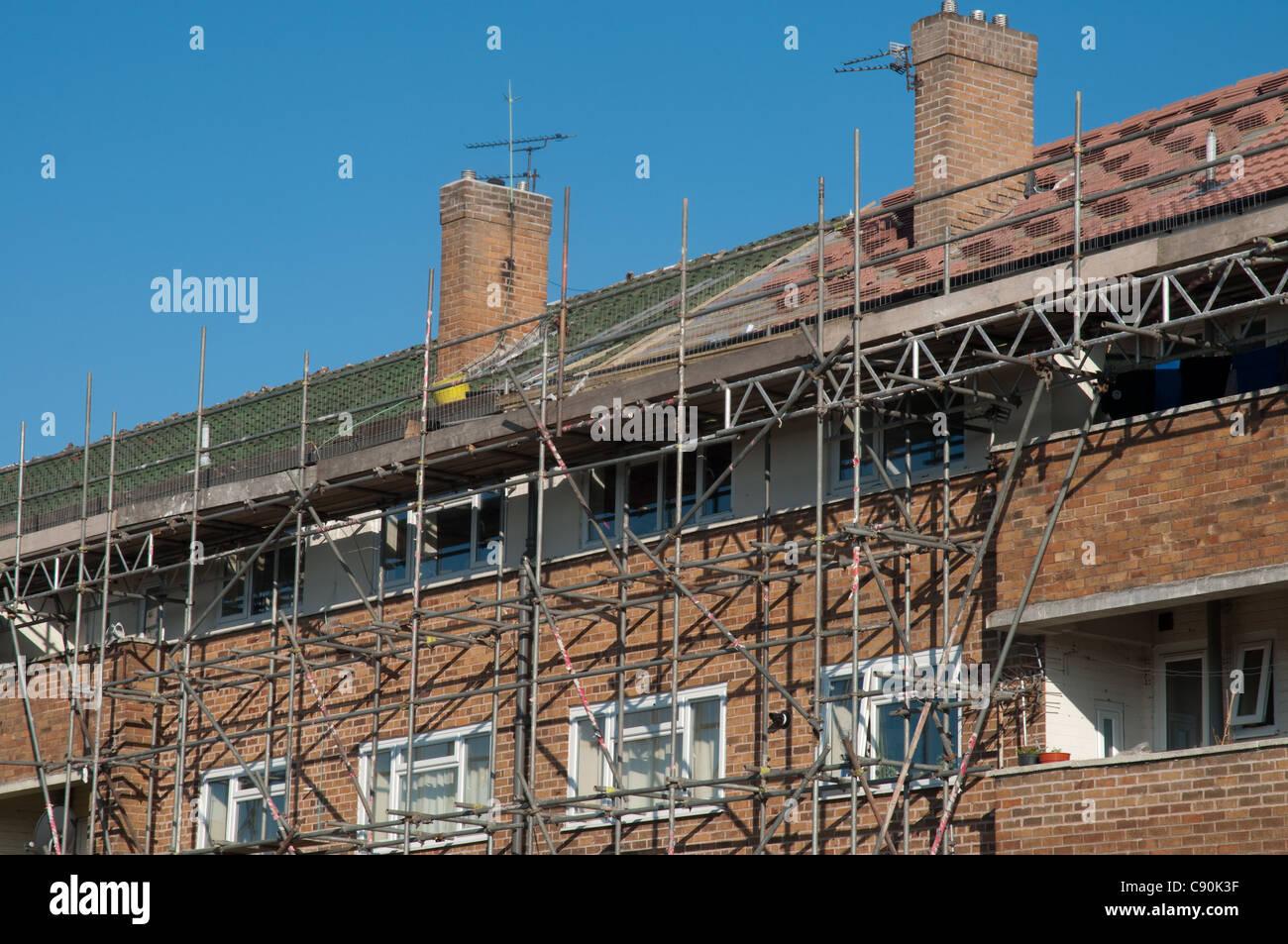 Social housing scheme undergoing refurbishment. Wythenshawe, Manchester. - Stock Image
