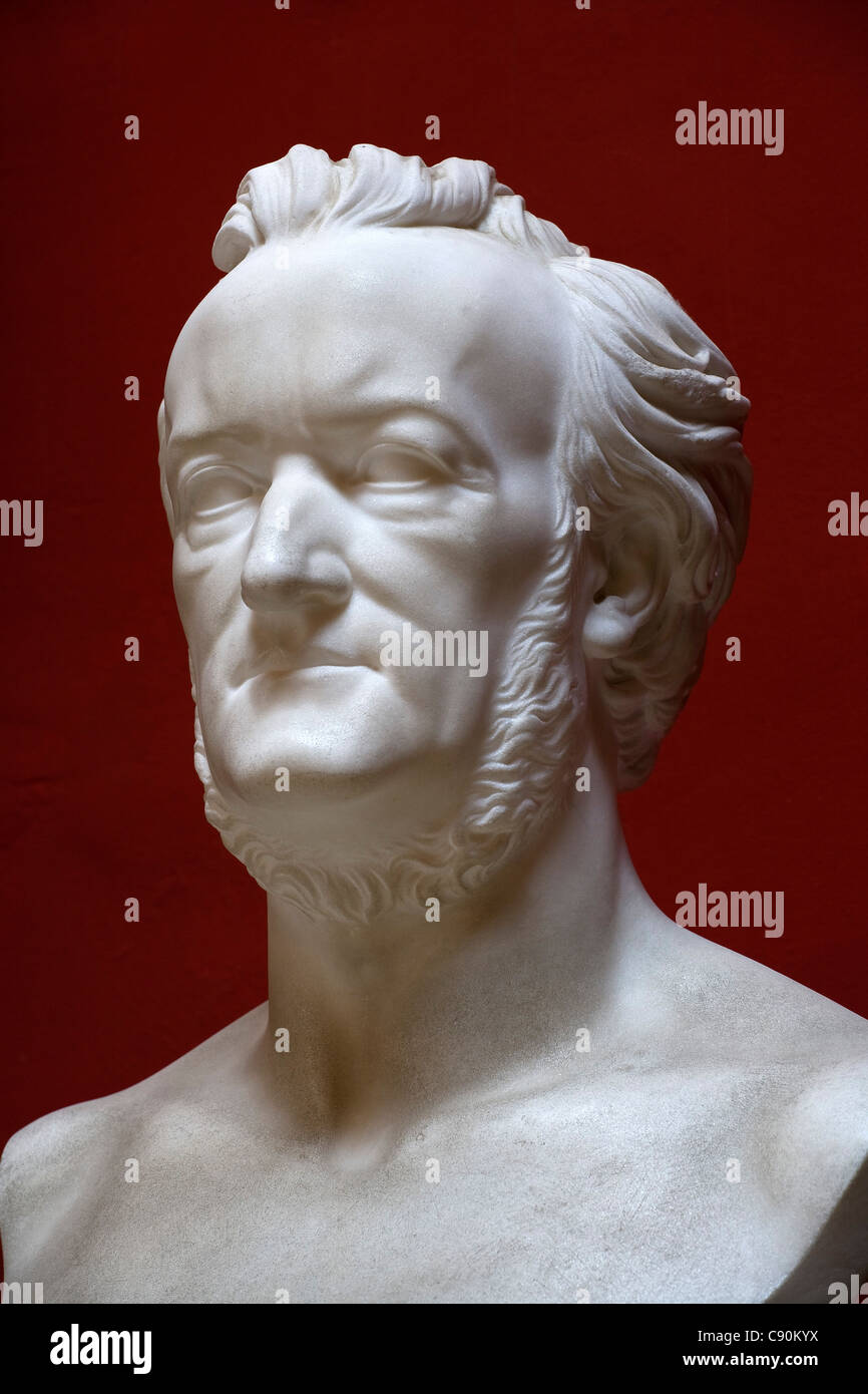 Bust at Villa Wahnfried, the former residence of Richard Wagner (1813–1883), Bayreuth, Bavaria, Germany, Europe - Stock Image
