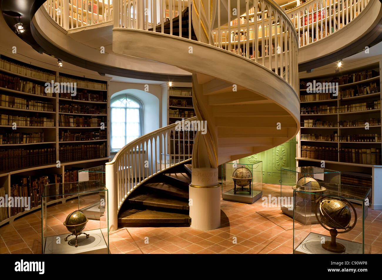 Charmant Spiral Stairs Library Stock Photos U0026 Spiral Stairs Library ...