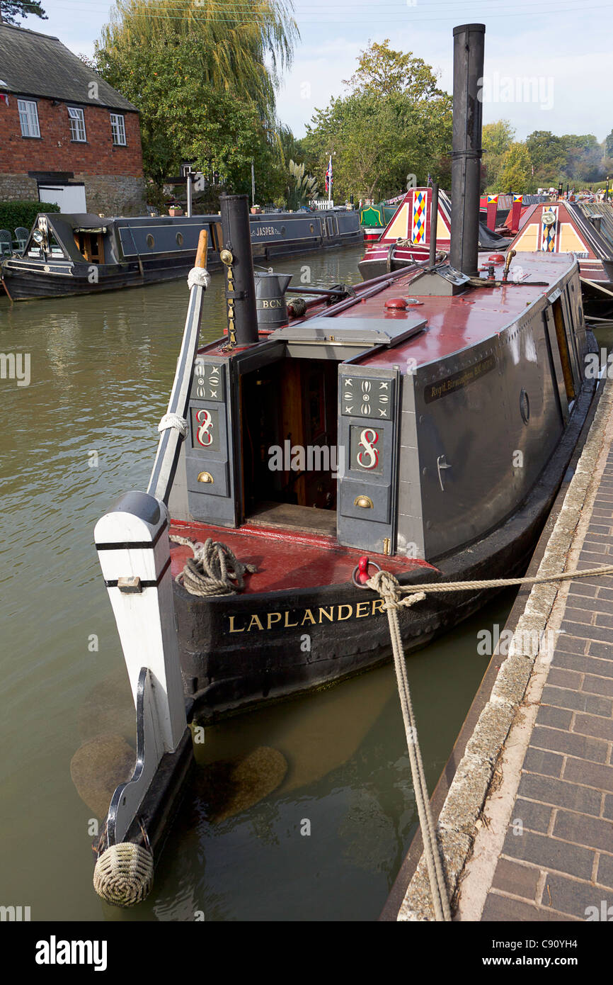 Laplander Steam Iceboat on the Grand Union Canal: Rear Boatman's Cabin with Chimney to Stove & Midship Smoke - Stock Image