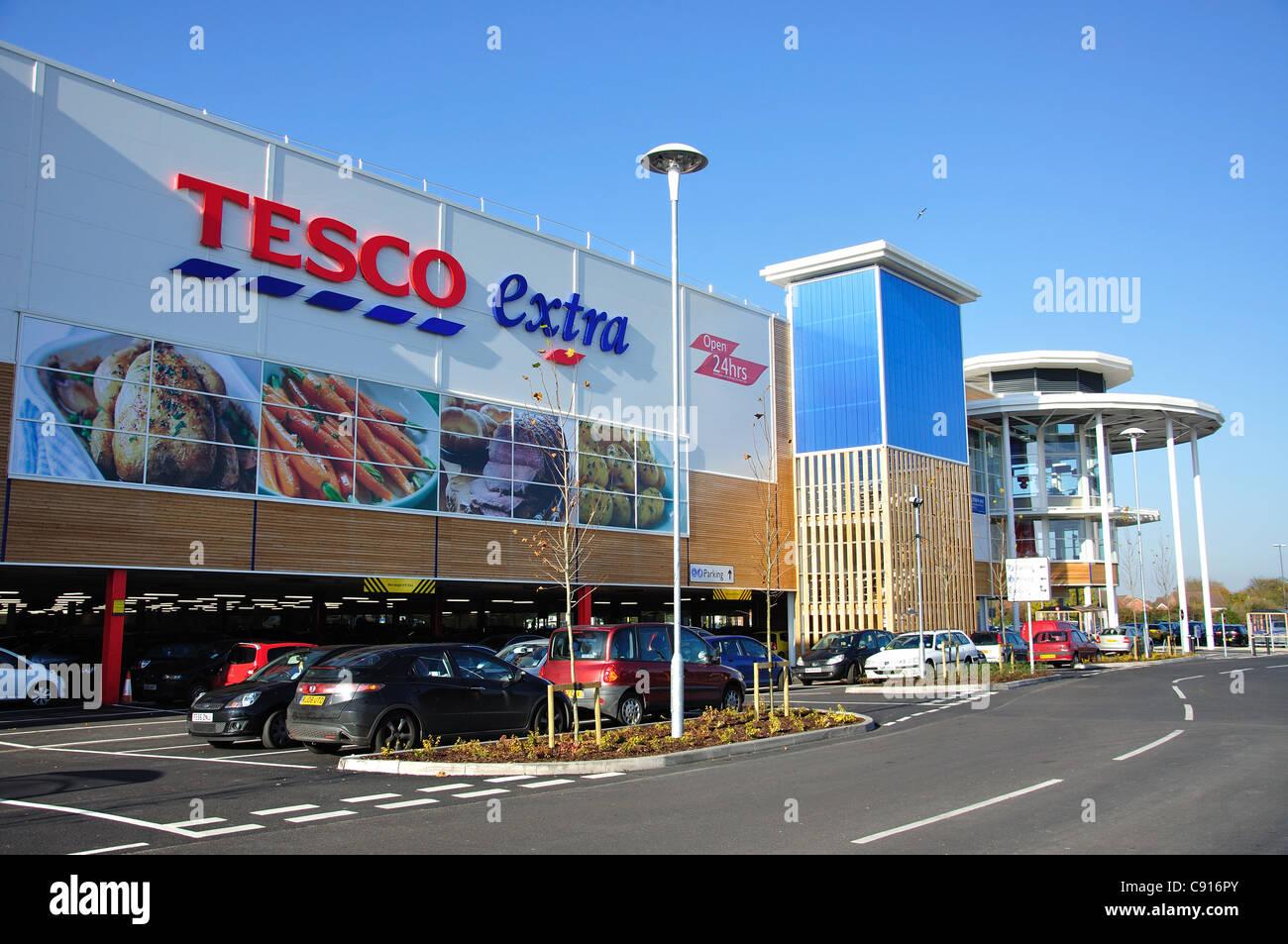 Tesco extra supermarket, Yate Shopping Centre, Yate, Gloucestershire, England, United Kingdom Stock Photo