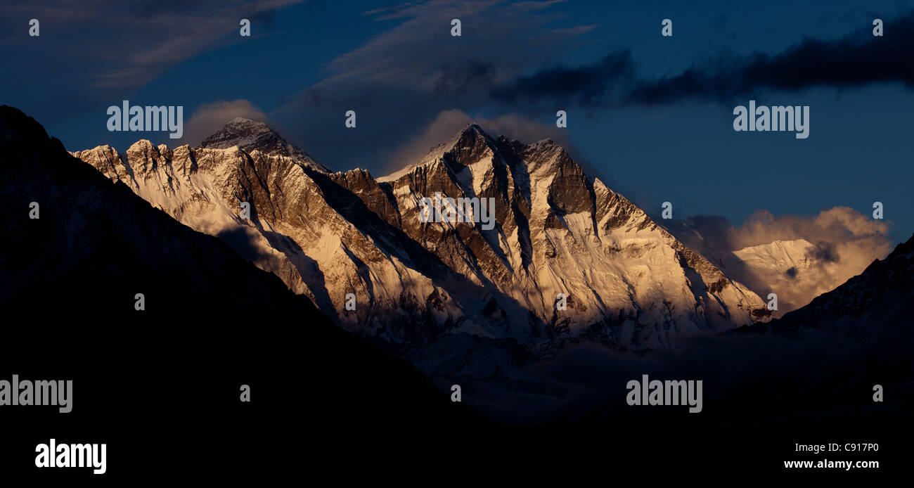 Mount Everest, Sagarmatha National Park, Nepal - Stock Image