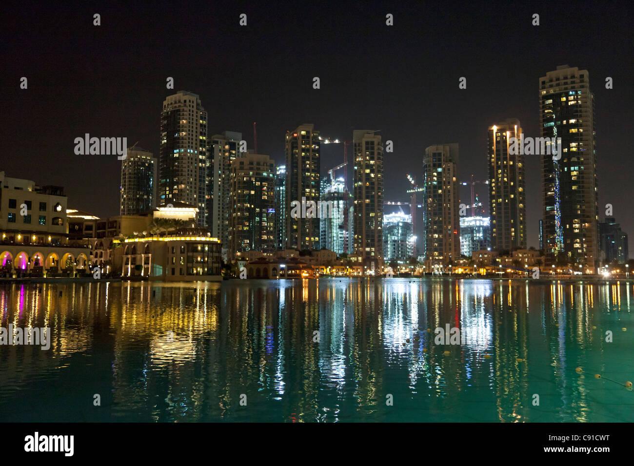 Dubai at nighttime - Stock Image