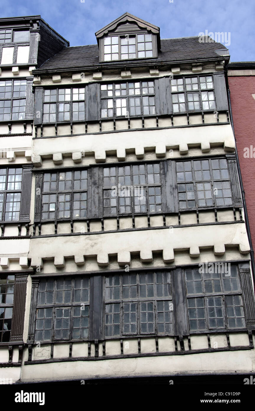 Bessie Surtees House is two merchants' houses on Newcastle's Quayside that were built in the 16th and 17th - Stock Image