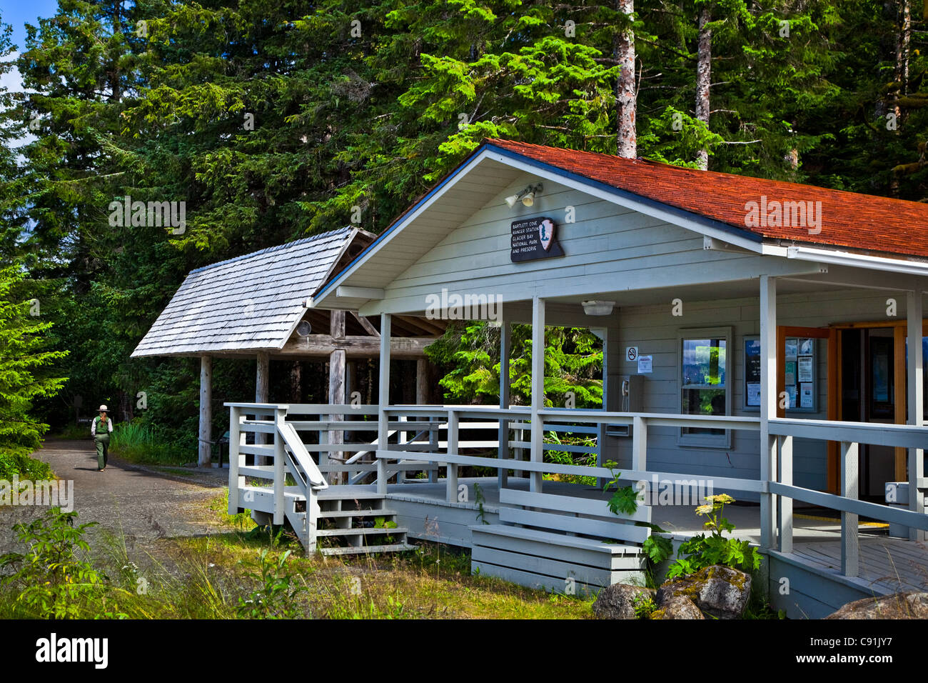 The Visitor Information Station, Bartlett Cove, Gustavus, Glacier Bay National Park , Alaska - Stock Image
