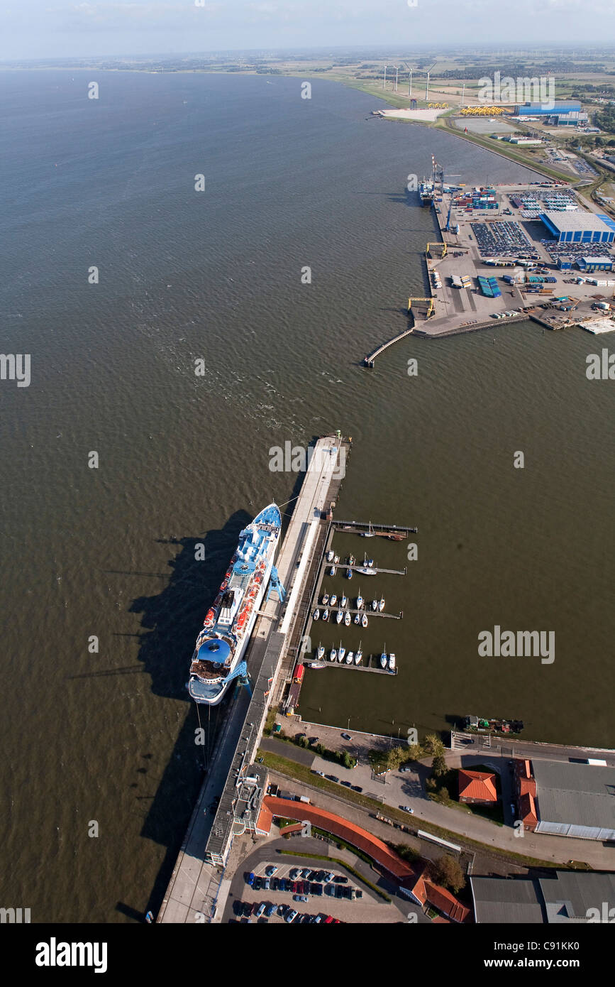 Aerial view of harbour wharfs, Cuxhaven, Lower Saxony, Germany - Stock Image