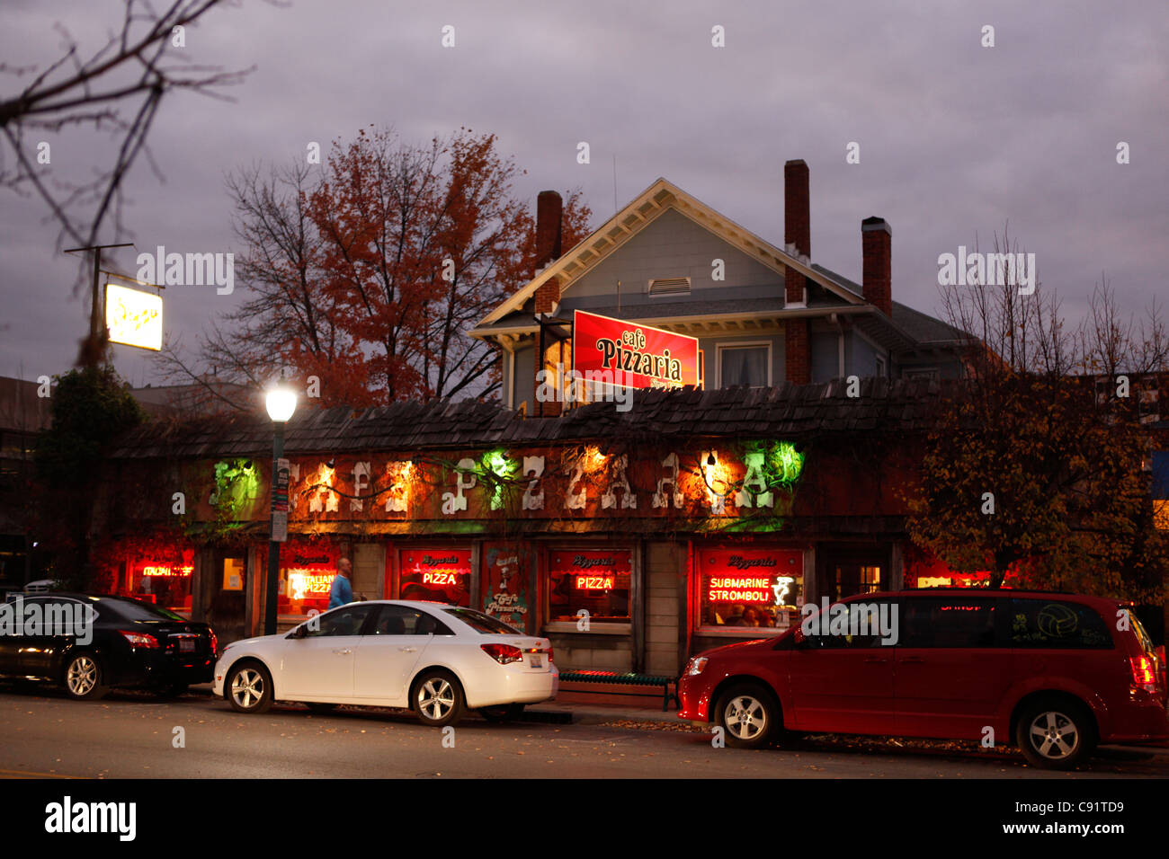 Cafe Pizzaria Restaurant Bloomington Indiana Downtown Night