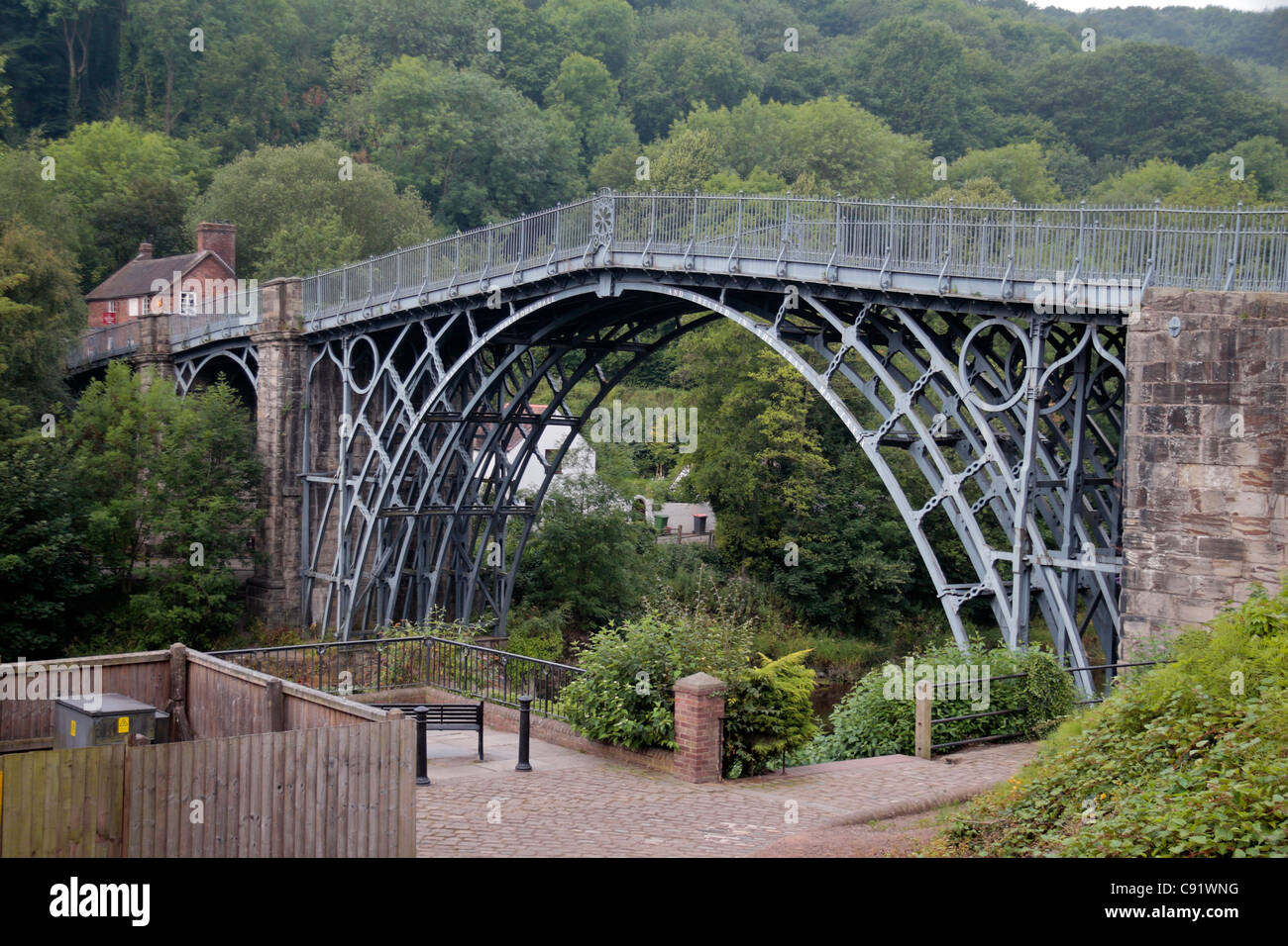 The historic Iron Bridge, the first of its kind built in 1779, in Ironbridge Gorge, Shropshire, UK. Stock Photo