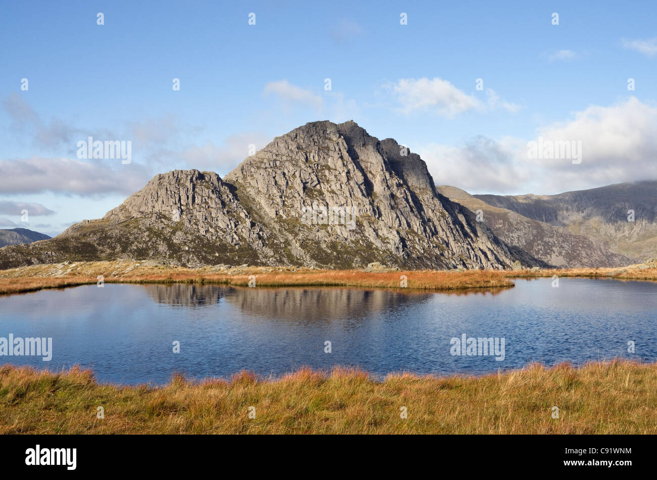 Conwy, North Wales, UK, Britain. View across Llyn Y Caseg-fraith to Tryfan mountain in Snowdonia National Park - Stock Image