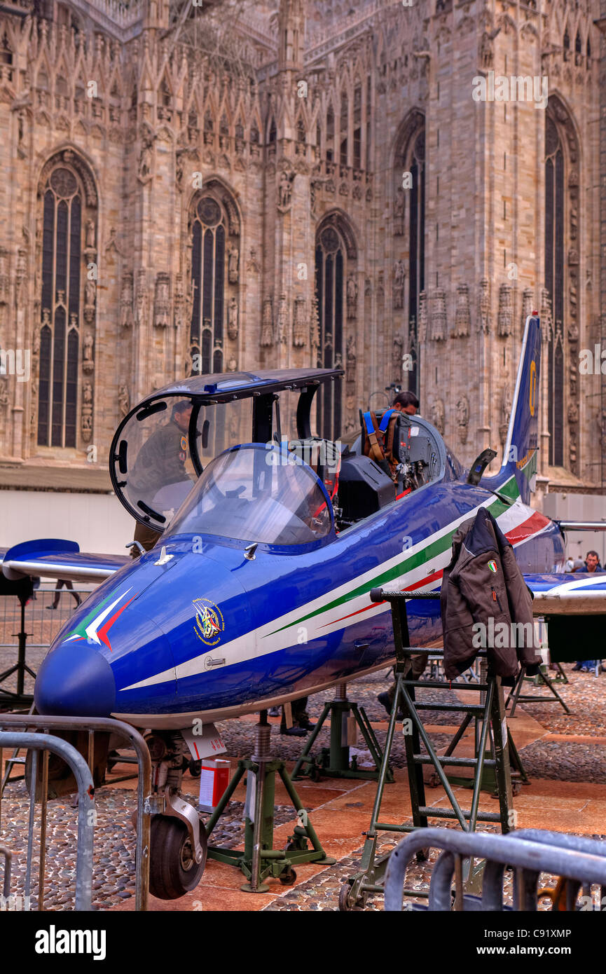 Ground attack aircraft Aermacchi of Italy before the Milanese cathedral. - Stock Image