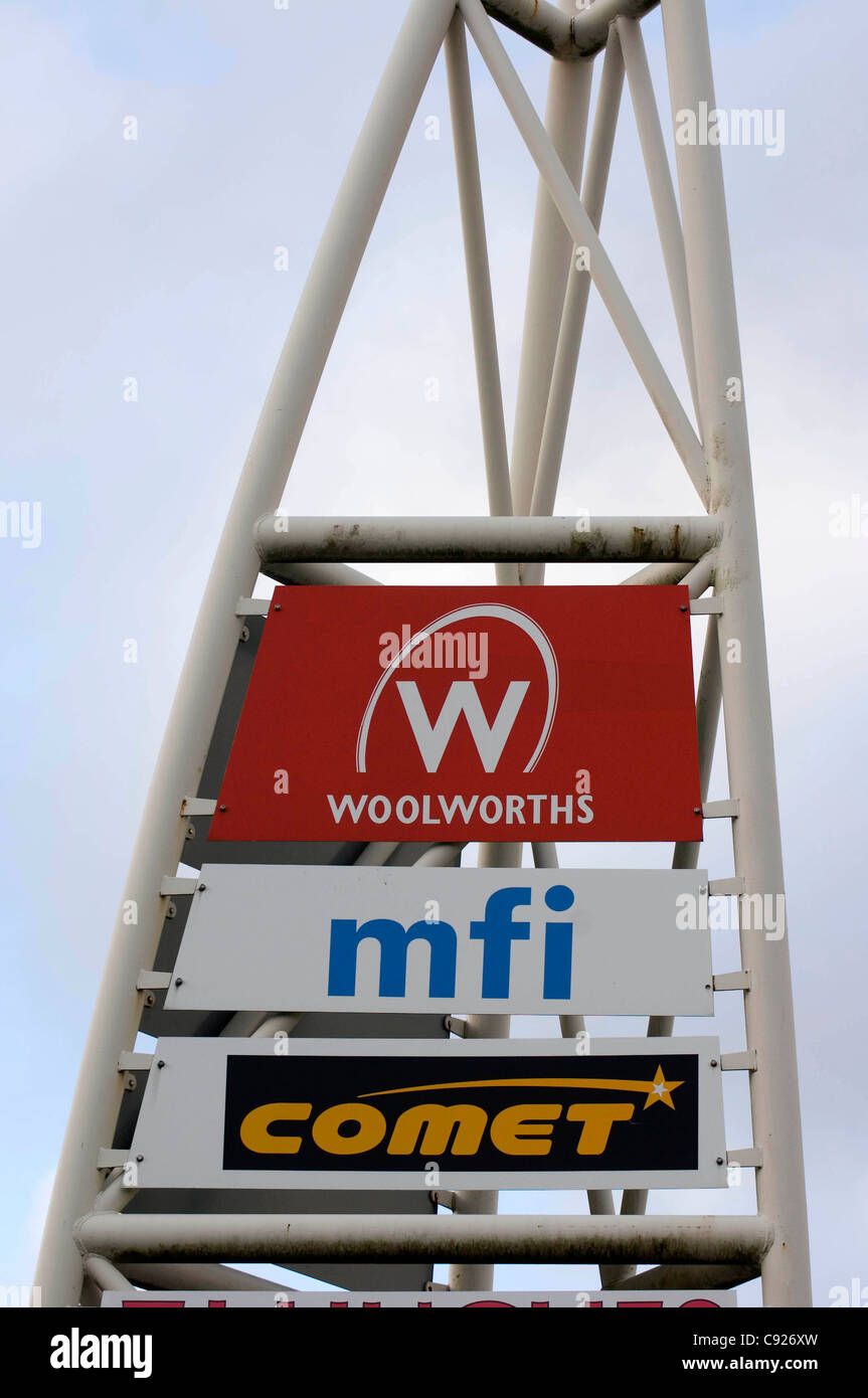 Sign for the Comet and the old Woolworths and MFI stores at Maesglas Retail Park in Newport, South Wales. (file - Stock Image