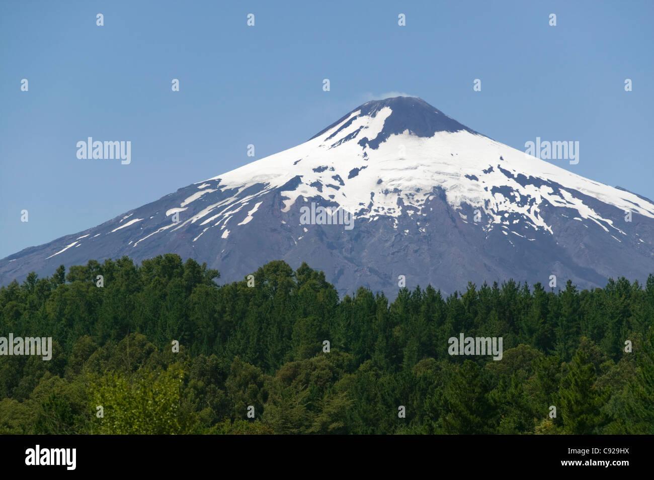 Snowcapped Imágenes De Stock Snowcapped Fotos De Stock: Snow Capped Volcanoes Stock Photos & Snow Capped Volcanoes