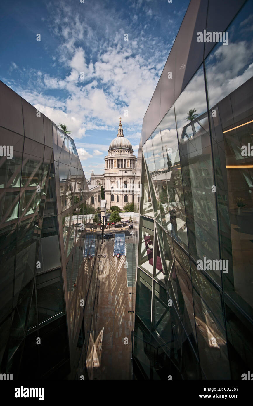St. Paul's Cathedral reflected in glass Stock Photo