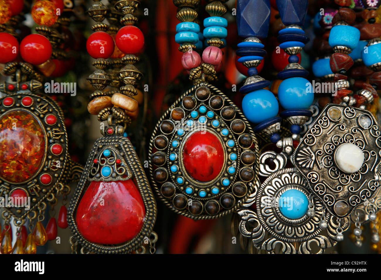 Bedouin silver jewellery, Aqaba, Jordan. - Stock Image