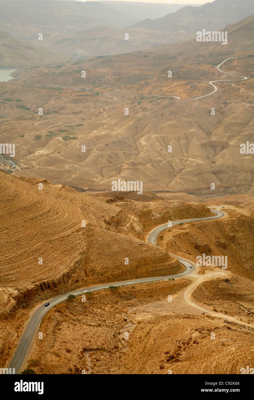 Part of the Kings Highway that runs through Wadi Mujib escarpment, Jordan. - Stock Image