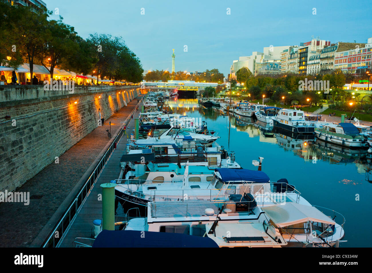 Paris, France, Canal Scenic at Dusk, with Boats near the Bastille, Port de l'Arsenal - Stock Image