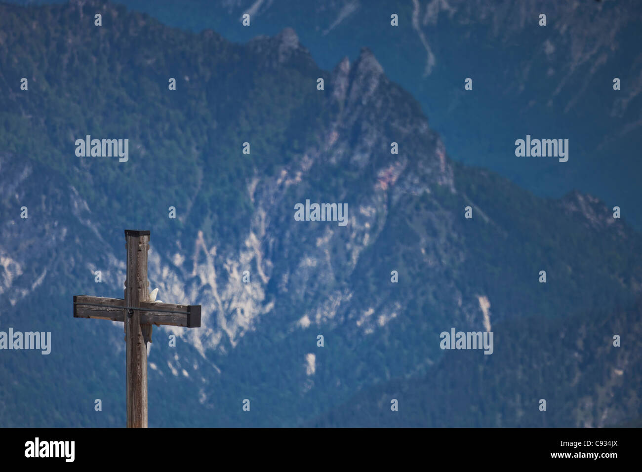 Memorial cross and Edelweiss flower motif,  location of Hitler's 'Eagle's Nest' residence, Obersalzburg, - Stock Image