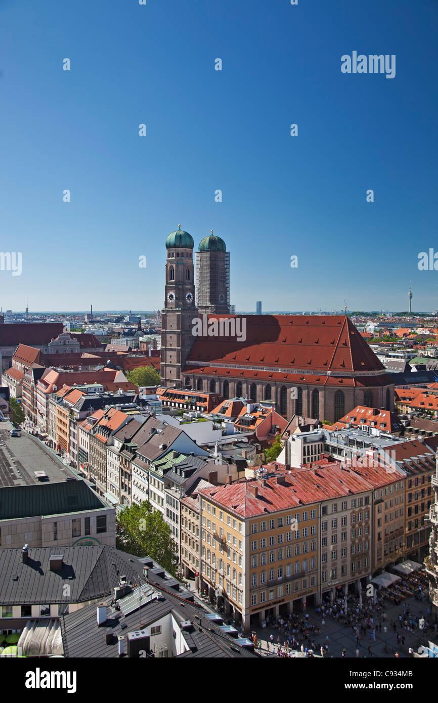 The twin towers of the Munich Frauenkirche and the Marianplatz, Munich Bayern, Germany. - Stock Image