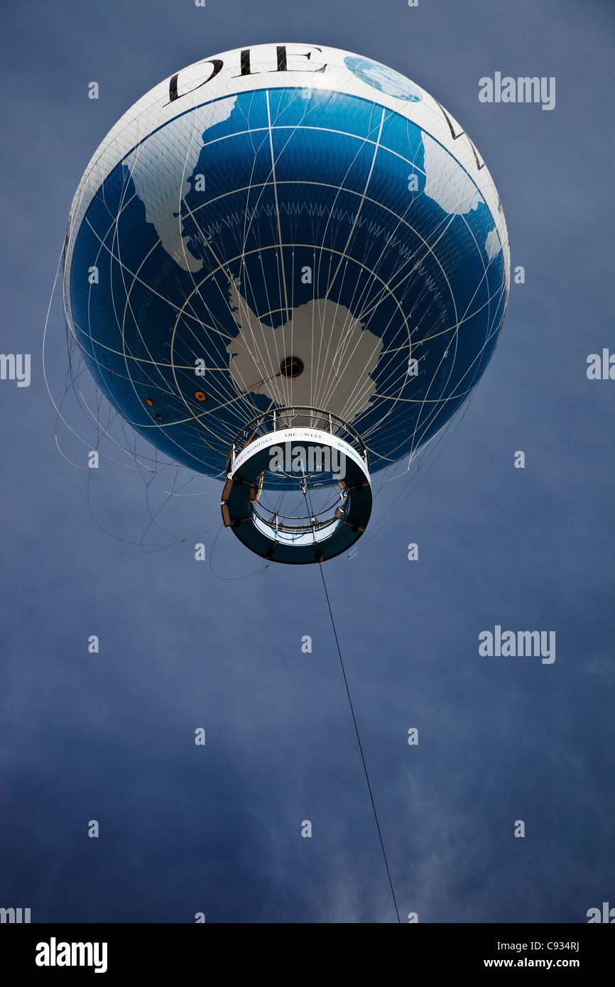 The Die Welt observation balloon on Kniederkircherstrasse, Potsdamer Platz, Berlin, Germany. - Stock Image