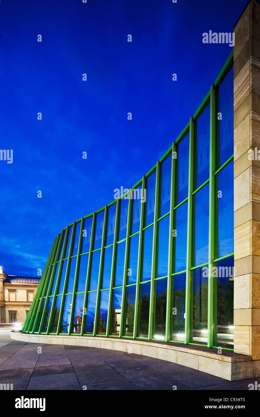 The main facade of the Neue Staatsgalerie art gallery in Stuttgart, Stuttgart-Mitte, Baden Wurttemburg, Germany - Stock Image