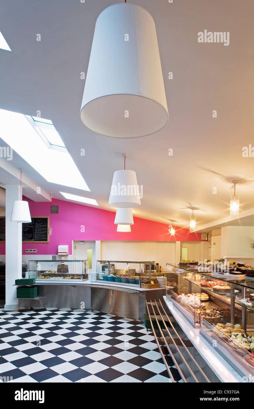 Ireland, Wicklow, Kilmacanogue, the tourist attraction Avoca Handweavers shop, restaurant and cafe. - Stock Image