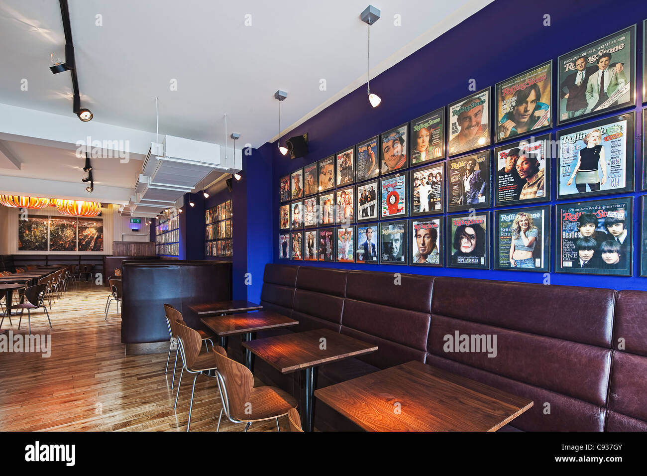 The interior of the Gotham South Restaurant and Cafe, Kilmacud Road Lower, Stillorgan, County Dublin, Ireland. - Stock Image