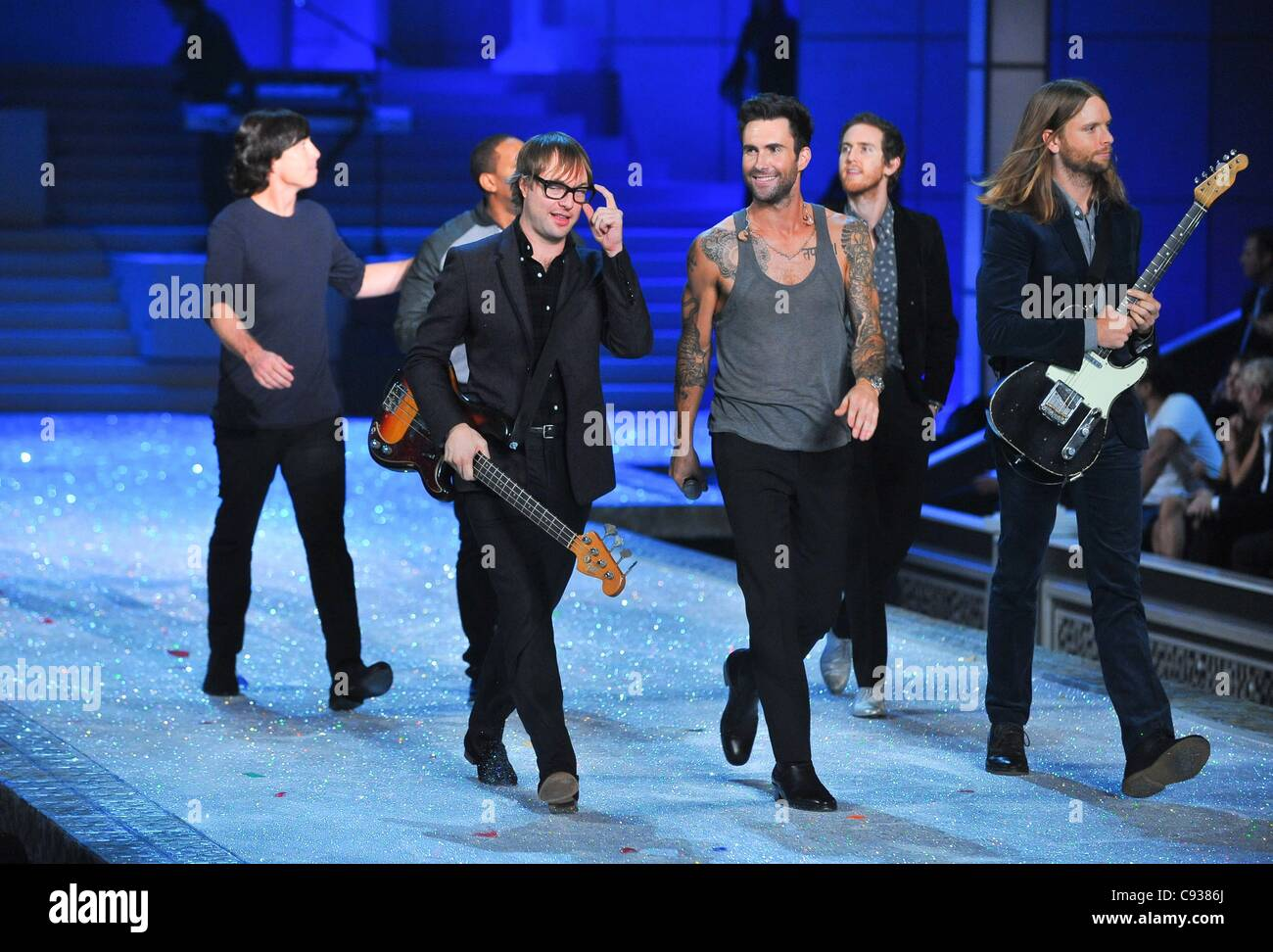 7ab86ef99f Maroon 5 on stage for 2011 Victoria s Secret Fashion Show - Runway Pt 2