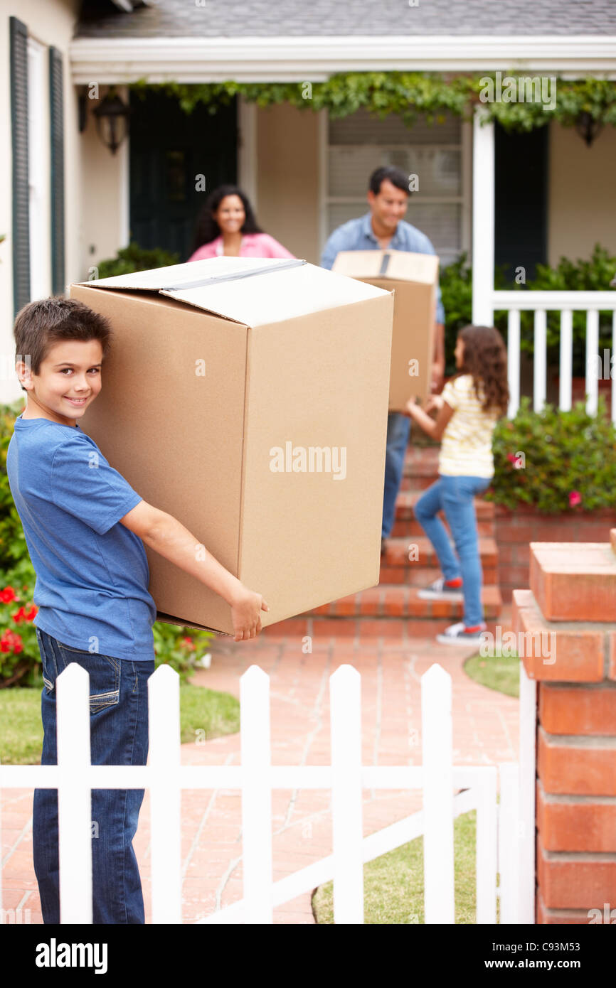 Family moving into rented house - Stock Image
