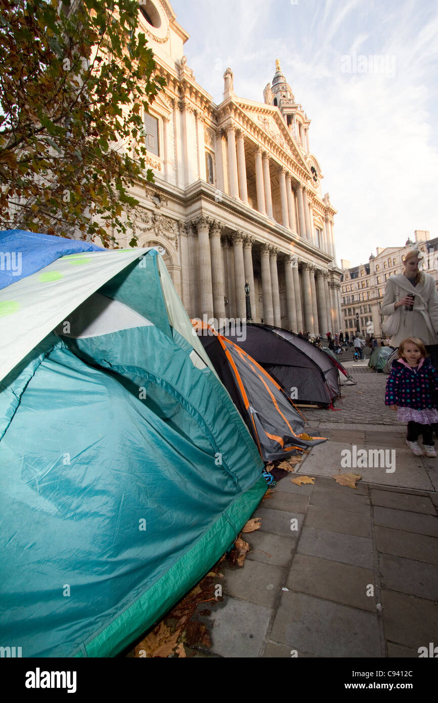 St pauls occupy protestors camping - Stock Image