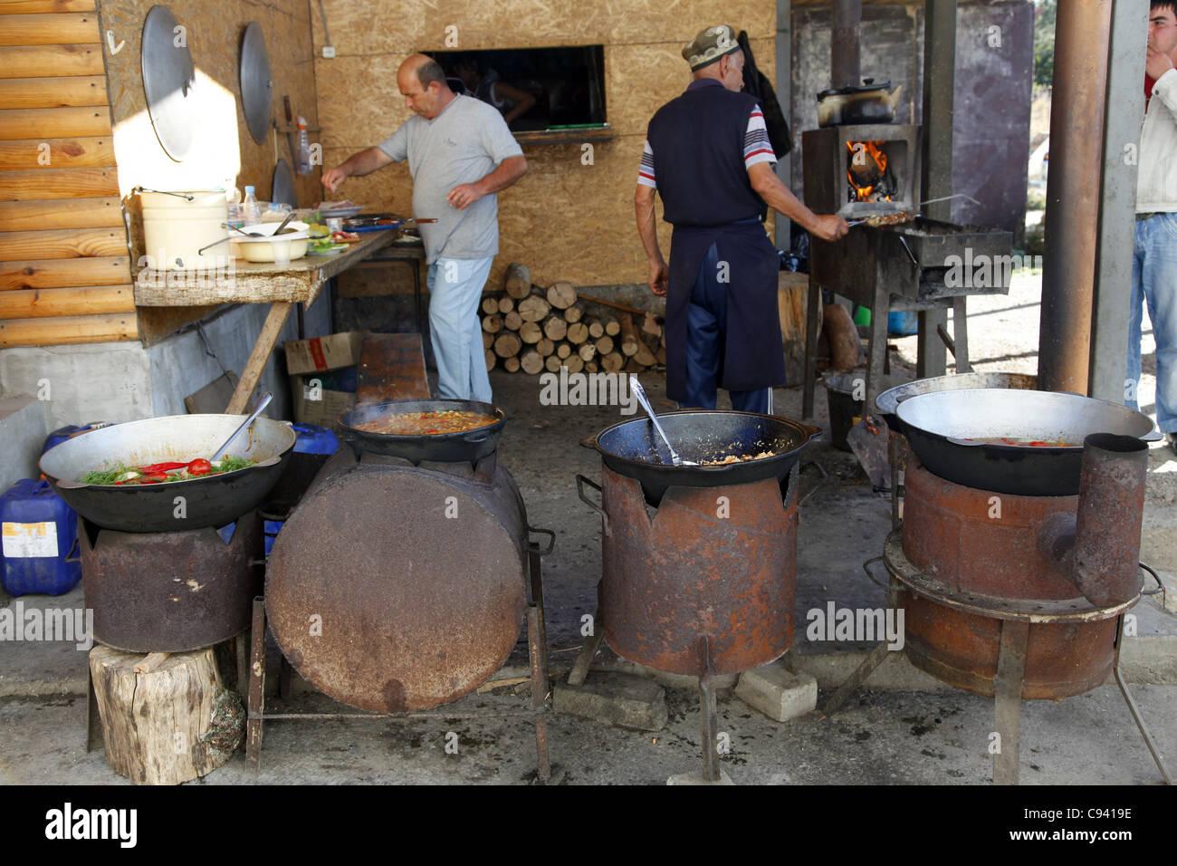 TATAR BARBEQUE FOOD & COOKING STOVES AI-PETRI CRIMEA UKRAINE 27 September 2011 - Stock Image
