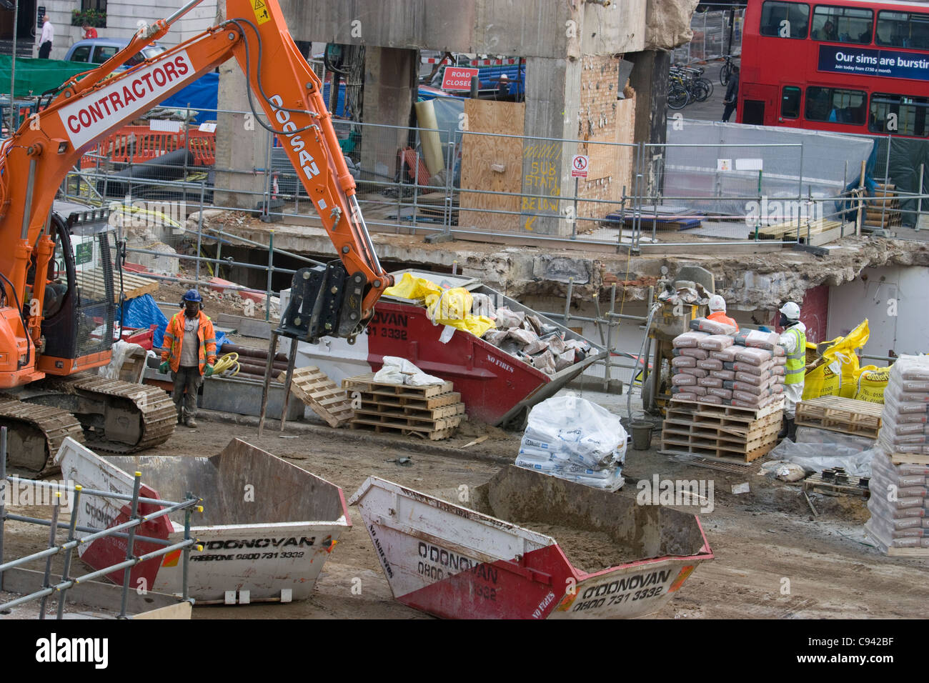 crossrail moorgate demolition works - Stock Image