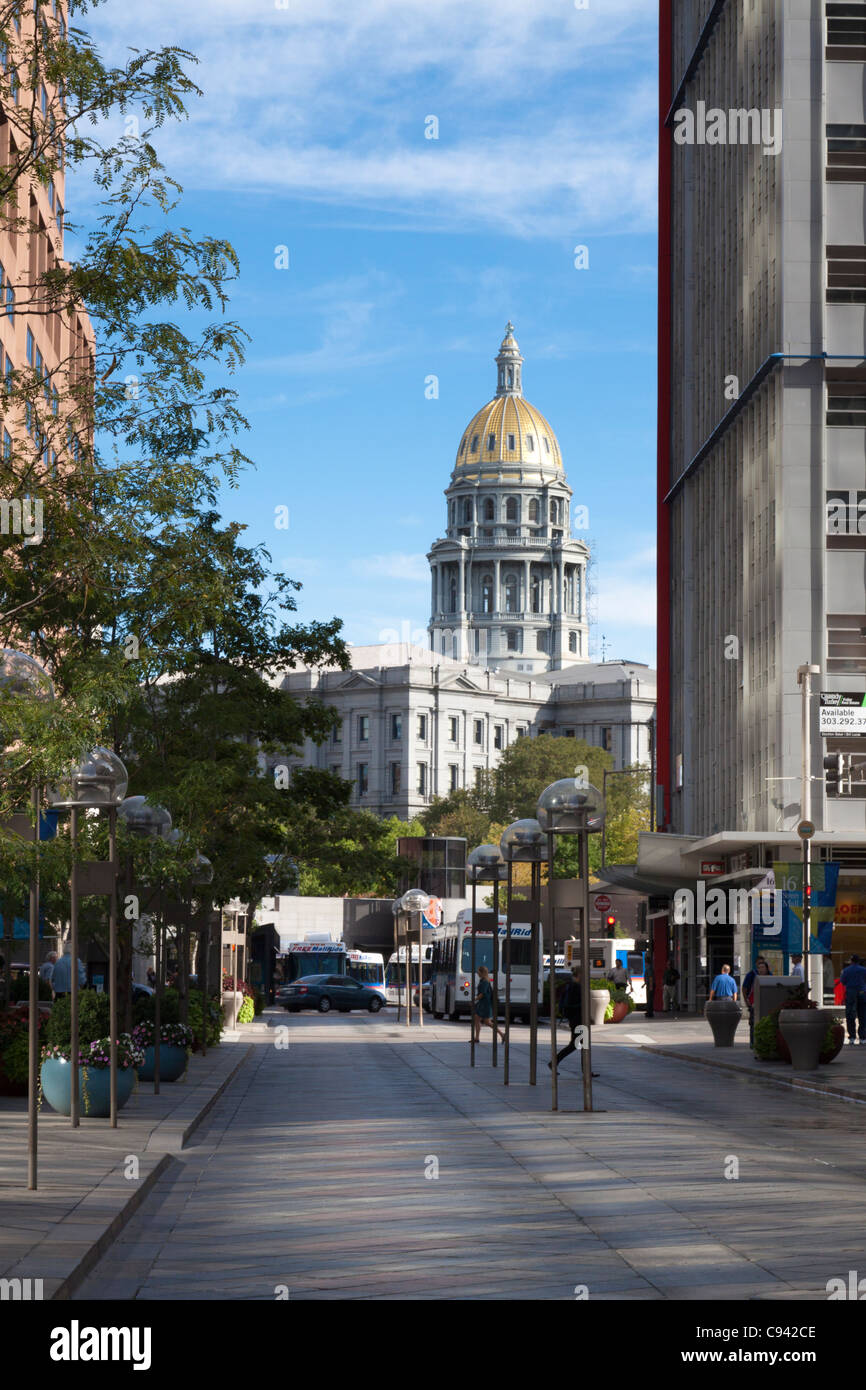 Colorado state capitol at the end of the 16th Street Mall in downtown Denver - Stock Image