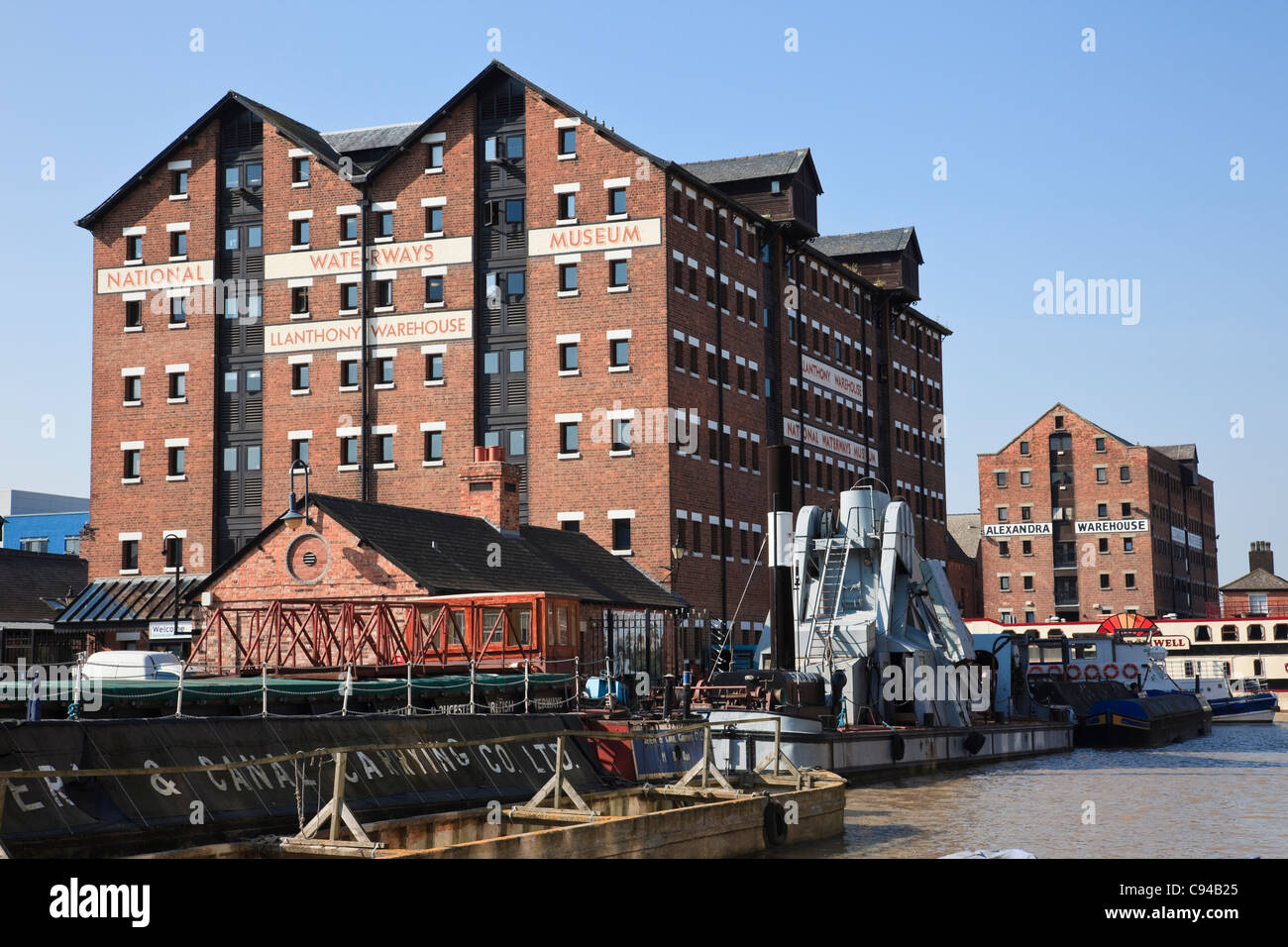 Gloucester Docks, Gloucestershire, England, UK. The National Waterways Museum in Llanthony Warehouse - Stock Image